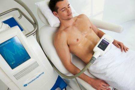 Криолиполиз для мужчин. Почему все больше представителей сильного пола записываются на процедуры по замораживанию жира аппаратом Cocoon